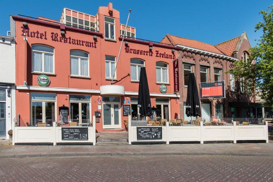 Hotel-Restaurant met terras en privé appartement (verkocht)