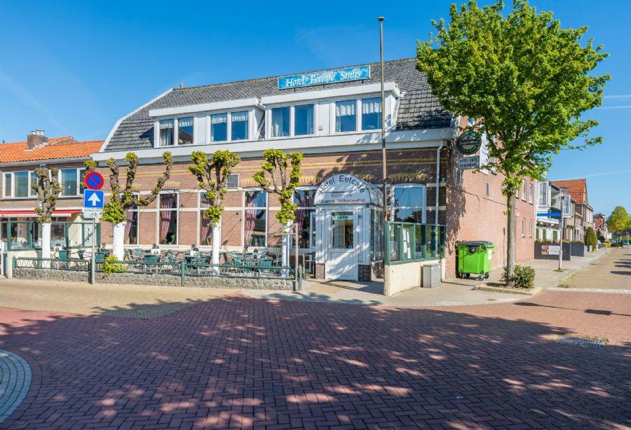 Hotel-Eetcafé met groot terras en bovenwoning (verkocht)