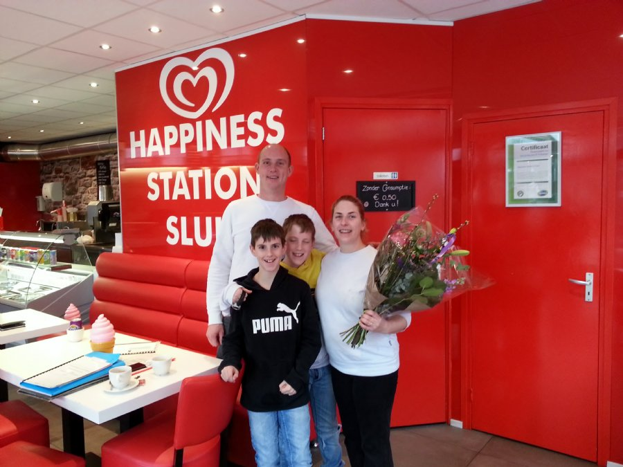 OVERDRACHT Cafetaria Happiness Station Sluis