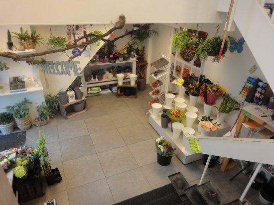 Winkelruimte met luxe bovenwoning - Personeel inrichting slaapkamer ...