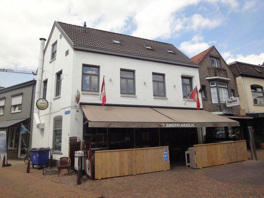 NIEUW TER OVERNAME Café met terras en bovenwoning