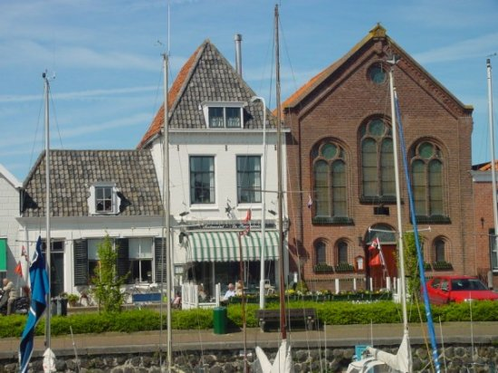 VERKOCHT Beleggingspand in centrum Brouwershaven