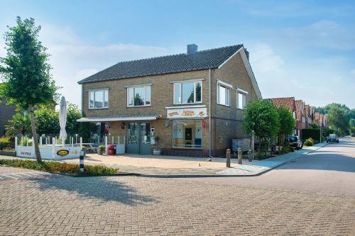 Cafetaria met bovenwoning en terras (verkocht)